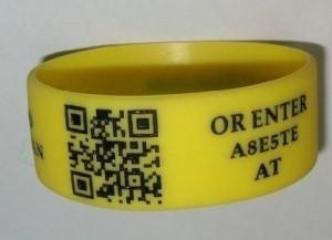 braccialetti in silicone personaliizzati con QR code
