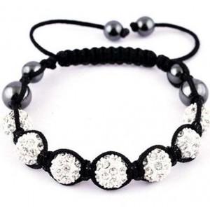 I braccialetti shamballa: re dell'estate 2012 adorato dai vip