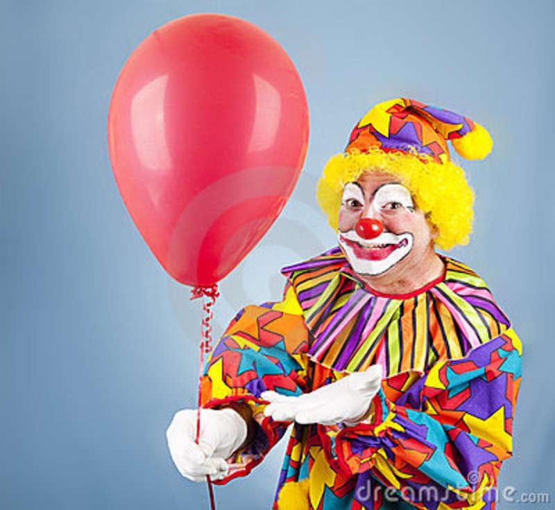 I palloncini personalizzati e le maschere di cartone :gli