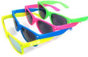 Gli-occhiali-da-sole-promozionali- hit-summer-goodies-2015-4